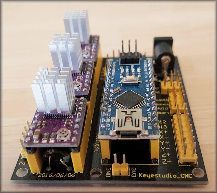 Le shield V4 avec son Nano et ses DRV8825.