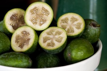 Five-minute feijoa jam recipe, Regional Newspapers – Remove any blemishes from the feijoas but leave the skins on - they add superb flavour and a dash of colour, too. Makes about 8 cups. – foodhub.co.nz