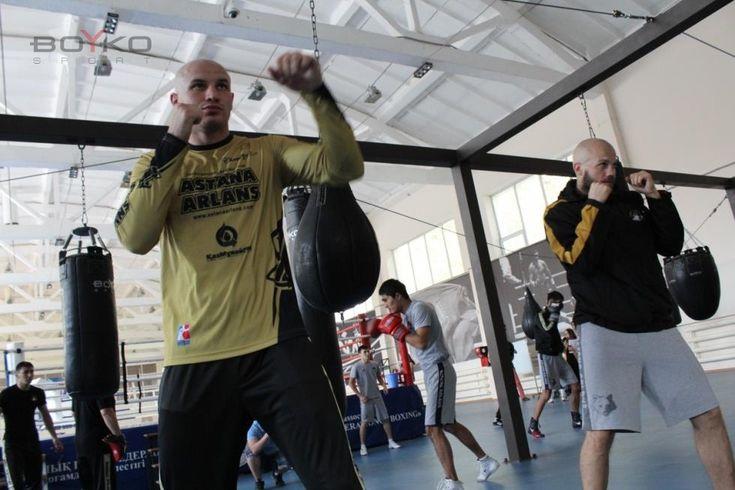 Фото с тренировки команды Астана Арланс на олимпийской базе Казахстана. И снова при выборе поставщика ставку сделали на качестве.  #бойкоспорт #boykosport #бокс #кикбоксинг #mma #мма #дзюдо #самбо