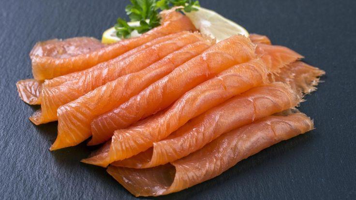 Une recette de salade de fenouil, de truite et de menthe de Janella, présentée sur Zeste et Zeste.tv.
