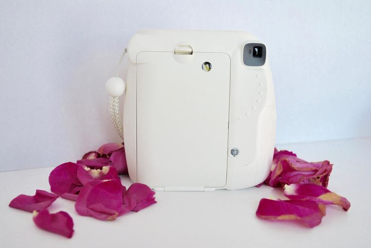 http://taiyamaddison.wixsite.com/blog/single-post/2017/02/11/INSTAX-MINI-8-REVIEW