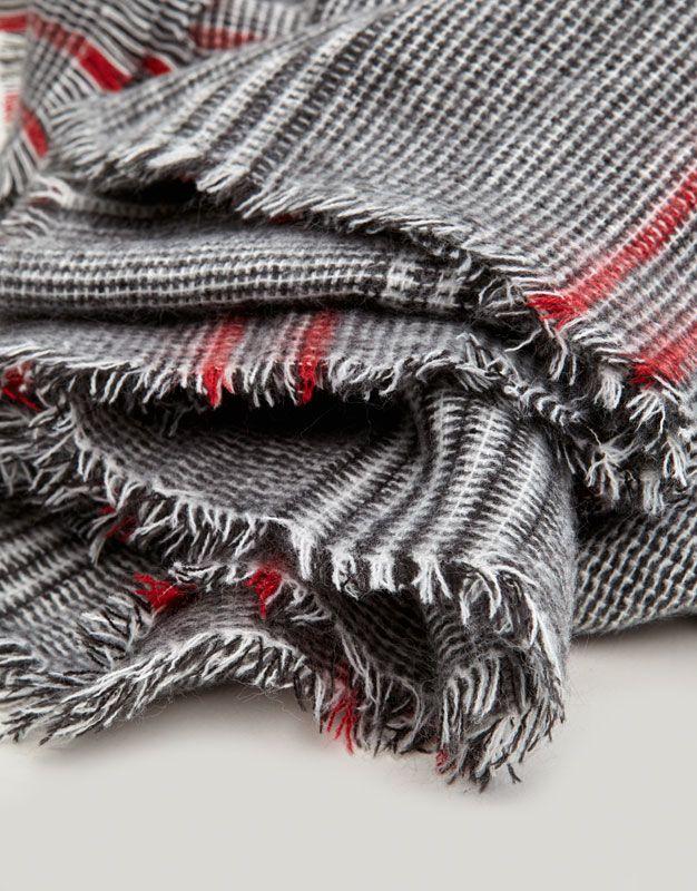 Cachecol aos quadrados - Cachecóis e lenços - Complementos - Mulher - PULL&BEAR Portugal