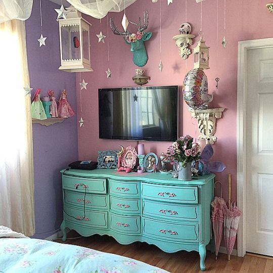 Kelly Eden's room Definitely like the colors and gonna borrow the idea of pastel painted furniture