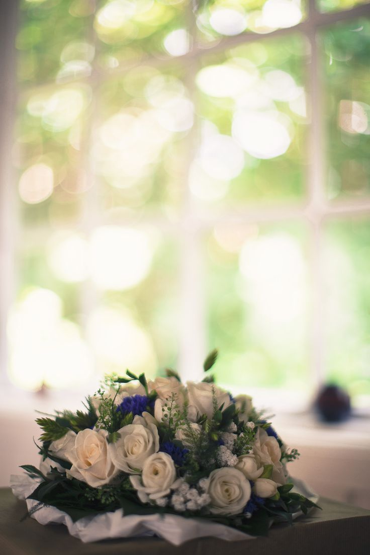 WEDDING BRIDAL BOUQUET - flowers - white roses - rustic look - blue cornflowers