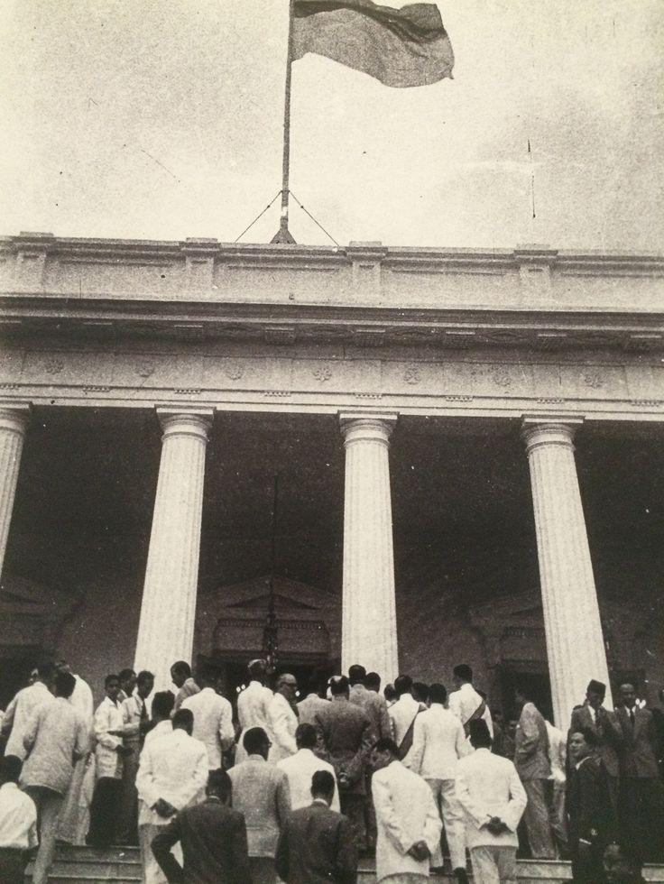 Seusai upacara penyerahan kedaulatan di Jakarta, 27 Desember 1949. (IPPHOS - Antara Foto).