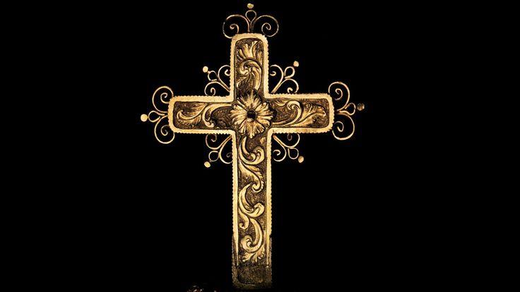 Corona de los Andes (Corona de la Virgen de la Inmaculada Concepción), c. 1660 (diadema) y c. 1770 (arcos). Oro de 18-22 quilates repujado y cincelado, esmeraldas. 34.3 cm de altura, 33.7 cm. de diámetro, 2.18 kg. (Museo Metropolitano de Arte - Nueva York, EUA).    Nota extensa dale click:  https://www.facebook.com/artesylibros/posts/484956458503440