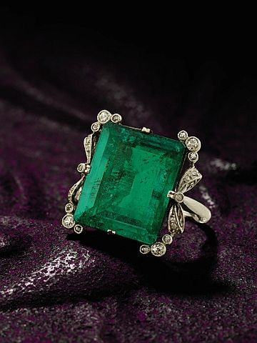 emerald and diamond ring, circa 1900