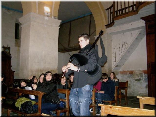 Fotos Con Cariño: Vídeo: Mond Dave Doc (Popular Bretona) - Coro de Adultos del Conservatorio de Viveiro. (2 fotos)