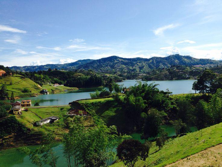 Represa del Peñol, Antioquia, Colombia, bello lugar, excelente clima.