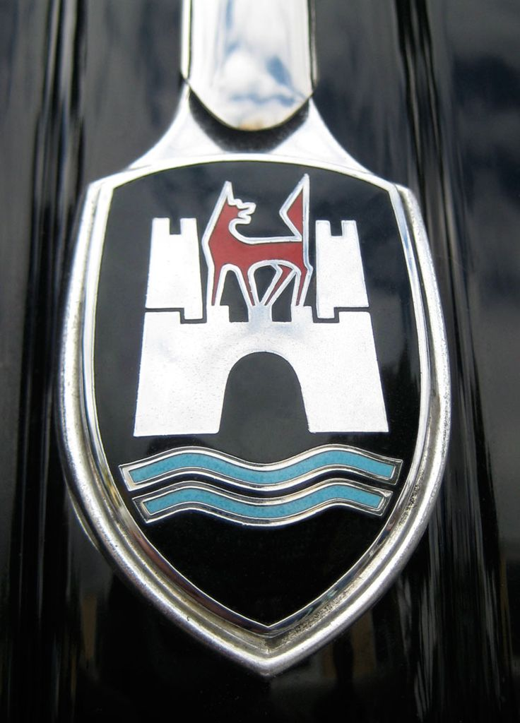 Volkswagen Beetle's Wolfsburg crest from 1960-1962. The crest was discontinued on the 1963 model but was used on Volkswagen's final Ultima Edicion Beetles produced at the factory in Puebla, Mexico in 2003.