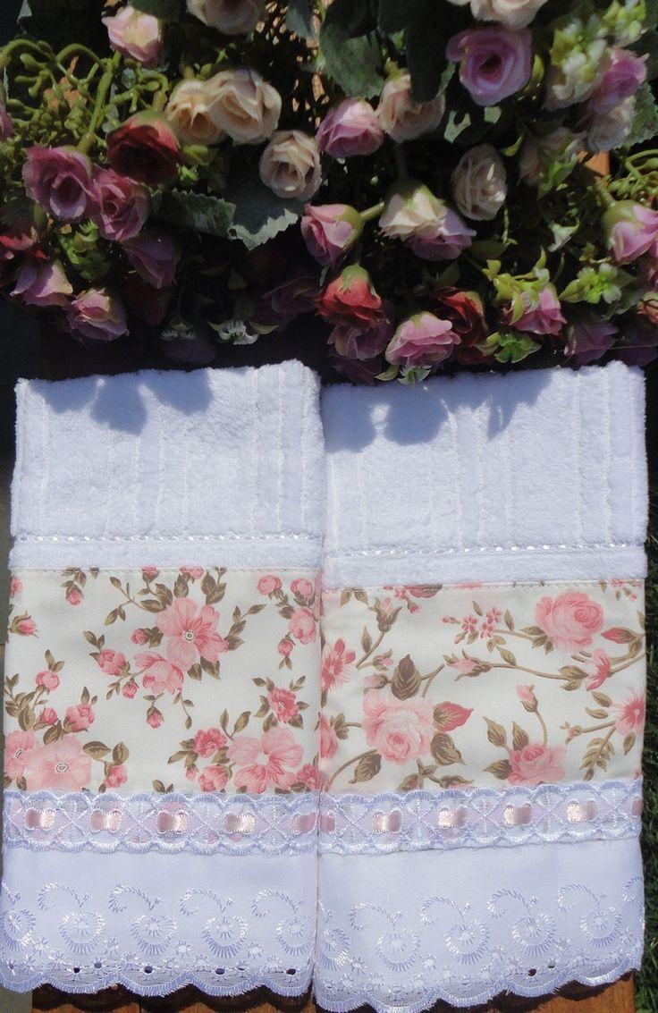 Kit duas toalhas de lavabo da marca Karsten, com aplicação em tecido 100%…