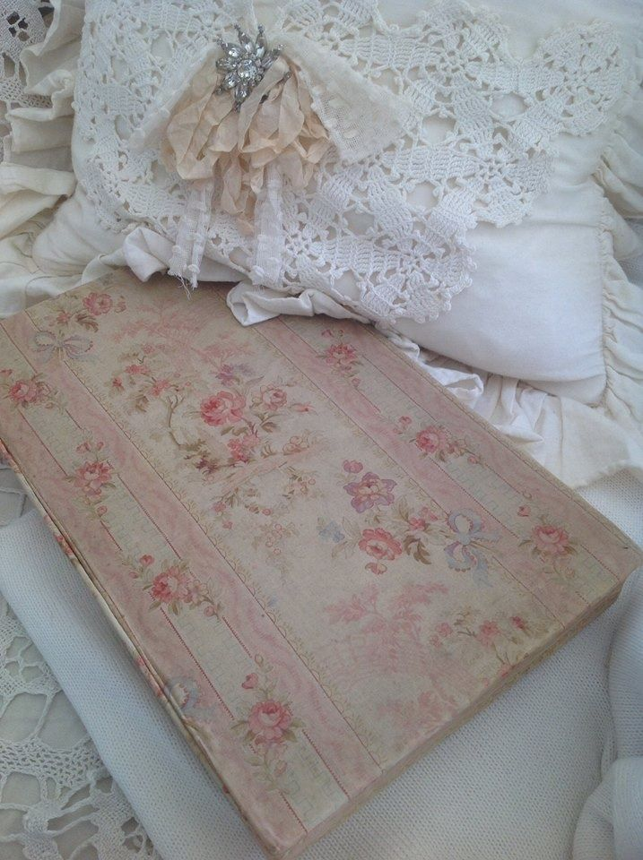 107 best images about shabby chic fabrics wallpaper stoffe tapeten on pinterest shabby. Black Bedroom Furniture Sets. Home Design Ideas
