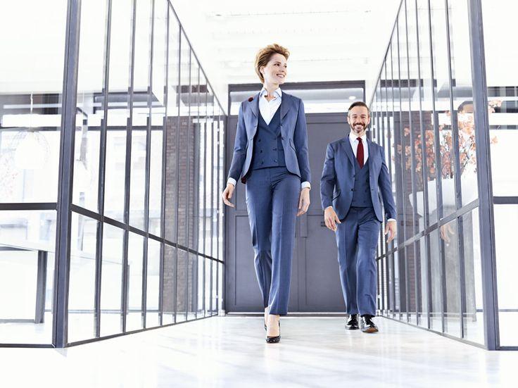 Hemelsblauwe wol blend voor intensief gebruik. Uitermate geschikt om het gehele jaar door te dragen. Collectie Suit Up corporate fashion 2016 www.suitupnow.nl