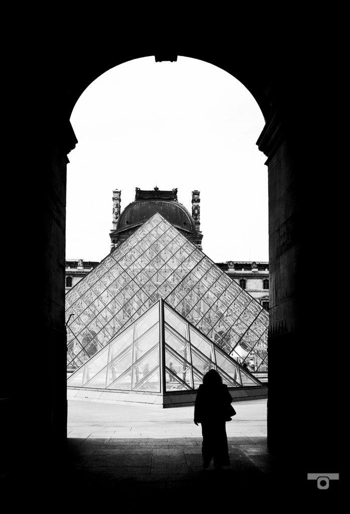 In the streets of Paris, mémoire du paris. #Paris #France #Street Photography #Architecture  #BlackandWhite