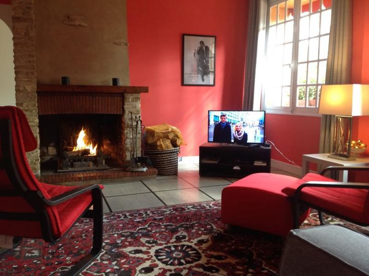 2 Bedroom Gite in Mainneville to rent from £212 pw. With balcony/terrace, Log fire, TV and DVD.