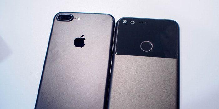 Muchos rumores apuntan a que el próximo iPhone 8 podría eliminar del todo el clásico botón Home. Pero otros se preguntan qué solución podría encontrar Apple para recolocar el sensor de huellas dactilares Touch ID.  https://iphonedigital.com/iphone-8-touch-id-parte-trasera-rumores-apple/  #iphonedigital #iphone #apple