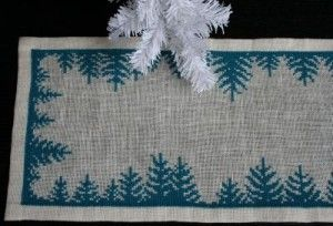 Pine Tree Christmas Table Runner Free Cross Stitch Pattern - Love this! This would make such a great homemade gift!