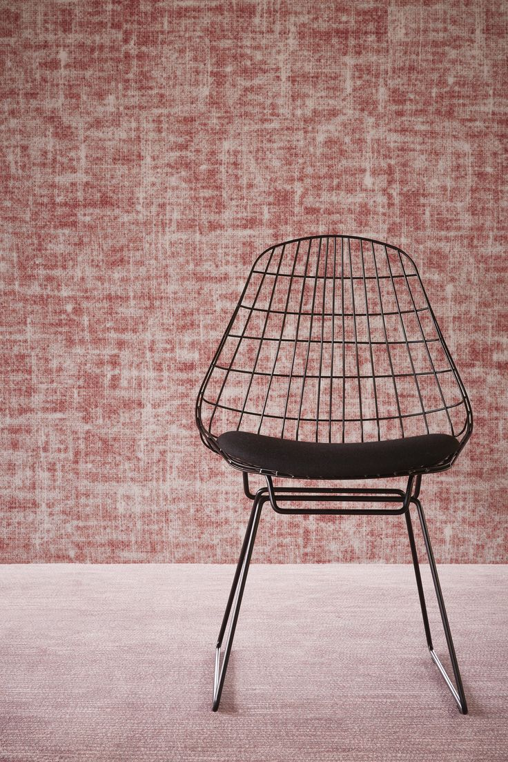 Taking inspiration from the world of art in muted weathered colours and multi-layered patterns, the Desso&Ex collection is about connecting people, areas and different interior design elements. It reflects the shared values between Desso and Odette Ex at Ex Interiors and their passion for creativity and high quality design.