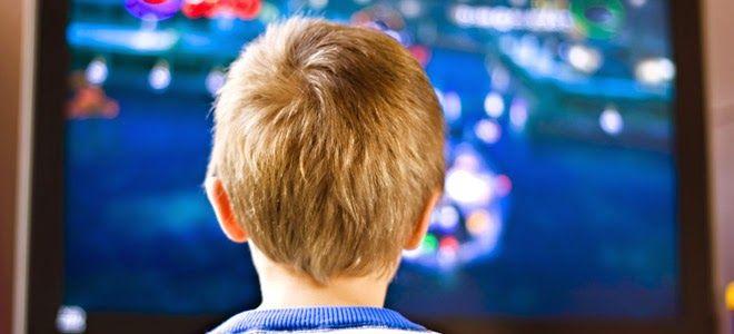 Σκέψεις: Η πολλή τηλεόραση φέρνει αρτηριακή πίεση στα παιδι...