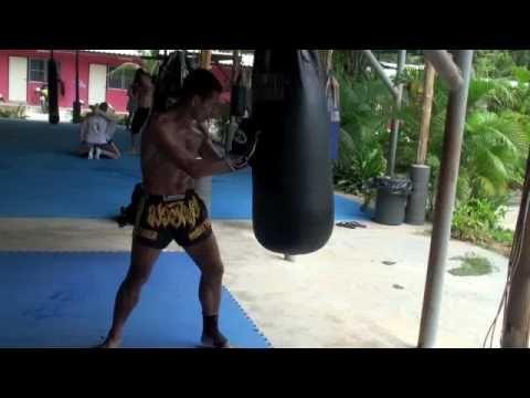 Tiger Muay Thai Training camp: Bag workout demonstration with Kru Yod