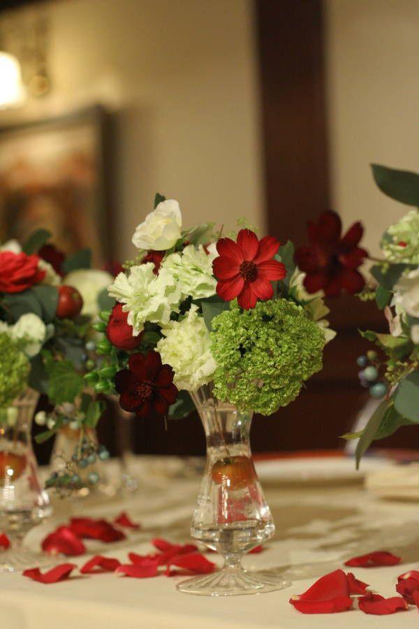 シェ松尾青山サロン様の装花 紅葉と、赤でかわいく : 一会 ウエディングの花 チョコレートコスモス