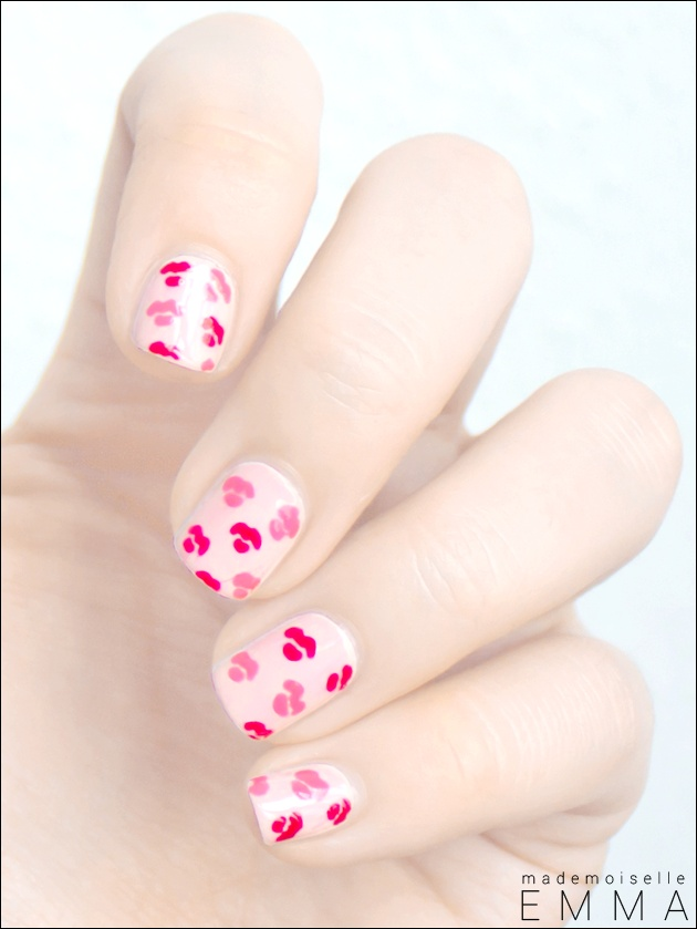 Valentine Kisses (Inspired by Cutepolish)    #nail #nails #nailsart
