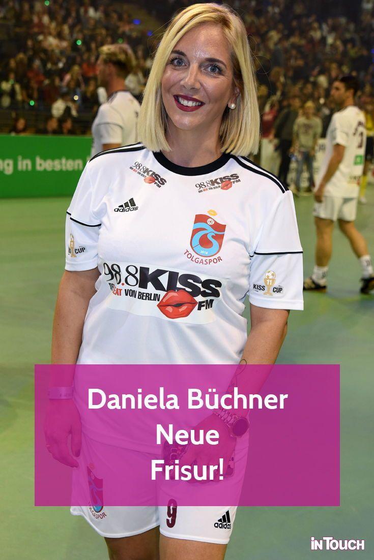 Daniela Buchner Neue Frisur Ihre Haare Werden Immer Kurzer Neue Frisuren Deutsche Stars Neue Wege