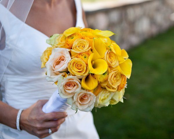 Yellow Wedding Flowers, Wedding Flowers Photos by Alicia Schneider Photography
