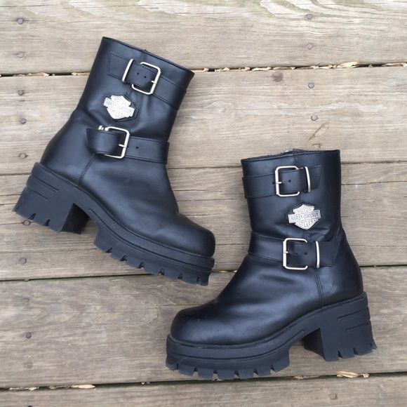 Women's Harley Davidson Motorcycle Boots Women's Harley Davidson Leather Motorcycle Boots size 8. Good condition. NON TRADES. Harley Davidson Shoes Combat & Moto Boots