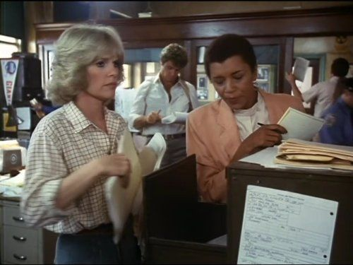 Tyne Daly and Sharon Gless in Cagney & Lacey (1981)