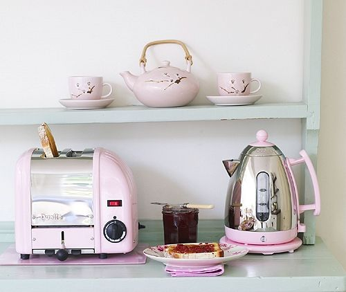 Pink kettle and toaster set
