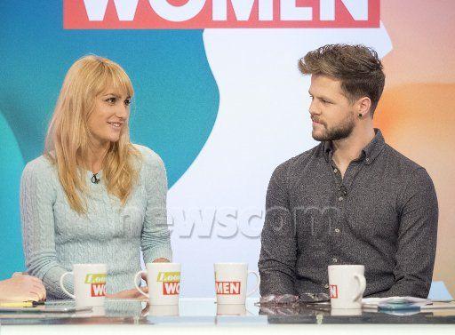Jay e @AlionaVilani no Loose Women da ITV. (18 jan.)