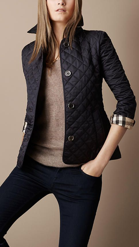 Burberry - CINCHED WAIST QUILTED JACKET.