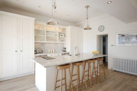White kitchen coastal style