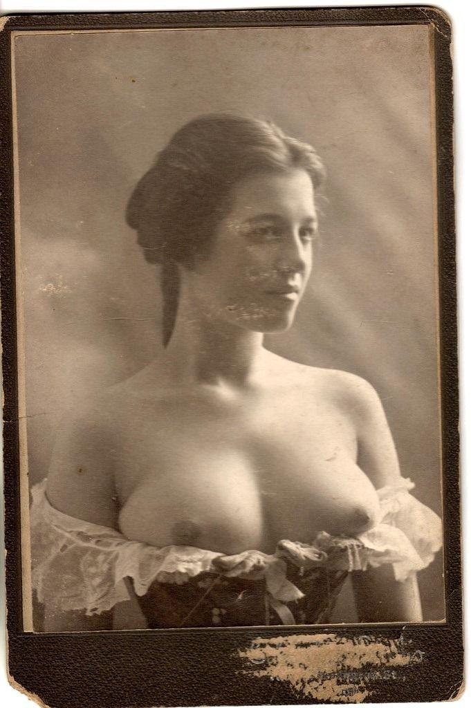 History Nude 86