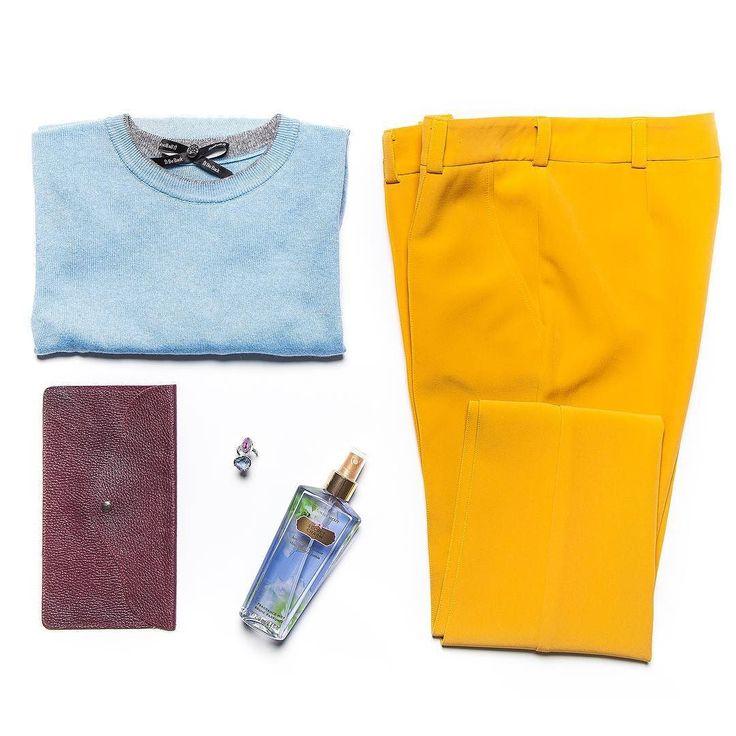 Вкусное сочетание - горчичные брюки и голубой джемпер @illbeback_official  кольцо @alena_malena_shop  клатч @klevieshtuki  #gardbe #подписканаодежду #одеждапоподписке #russiandesigner