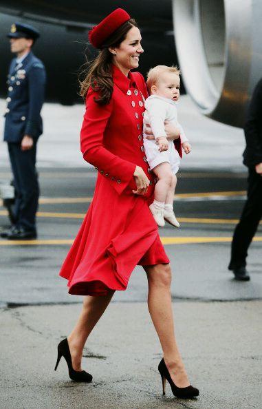 Duchess and Prince of Cambridge arrive in Wellington, New Zealand, April 2014 #katemiddleton #princegeorge