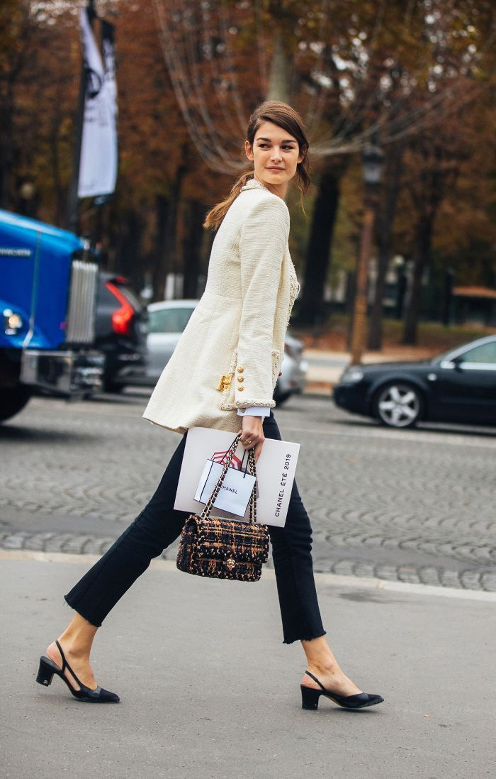 60 Years Later, These Are Still the Shoes Every Fashion Editor Wants | Chic work outfit, Fashion, Simple fall outfits
