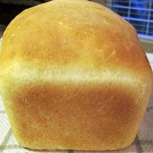 Shares Not only is homemade bread SO MUCH MORE DELICIOUS than store-bought bread, it is also healthier and cheaper! Have you ever looked at the ingredients instore-bought bread? Ithas ingredients like high fructose corn syrup and many preservatives that you can't pronounce. Homemade bread is natural and you know exactly what's going into it. Homemade …