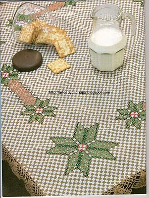 Toalha em tecido xadrez com motivo natalino
