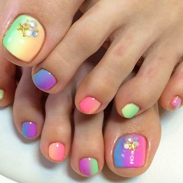 Ombre Rainbow Toe Nail Design for Summer