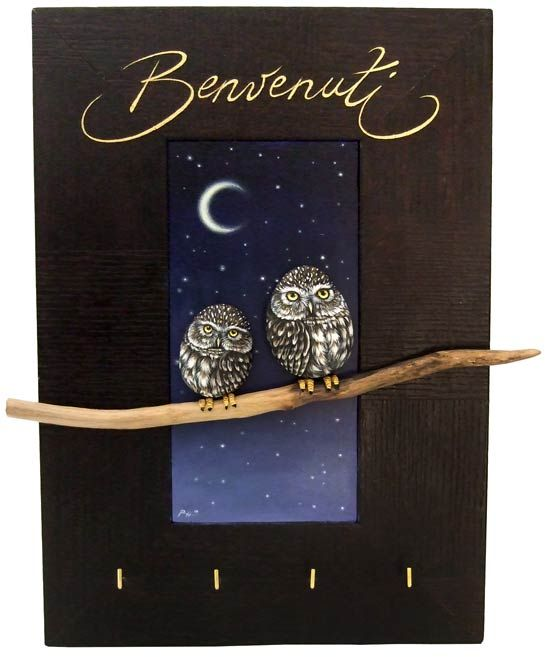 A keychain 3-D frame made in acrylic, wood and rock painted owls | www.robertorizzo.com