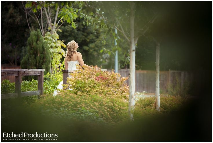 Ashlee awaiting the first look. Photographed by Nanaimo Wedding Photographer, Chuck Hocker of Etched Productions.