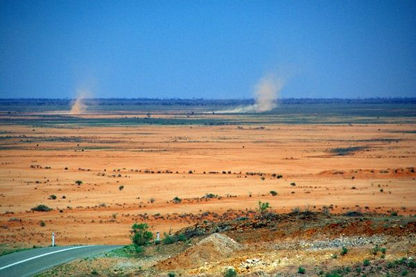 The Australian outback -- desolate, barren and beautiful.  Have you been?    More photos in the post on BvtW>>