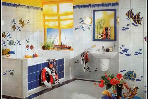 Ванная комната со спасательным кругом