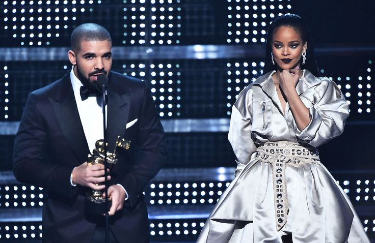 Rihanna and Drake Are Officially a Couple Now