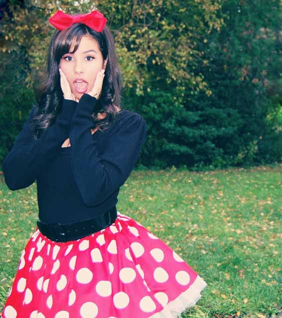 fari - cute Minnie Mouse costume. Would be even cuter with my daughter and I in this costume