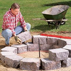 Time to redo the firepit? also some good foil packed recipes.Gardens Ideas, Fire Pits, Diy Outdoor Firepit, Firepit Ideas, Fire Rings, Diy Fire, Backyards Ideas, Backyards Fire, Stones Firepit