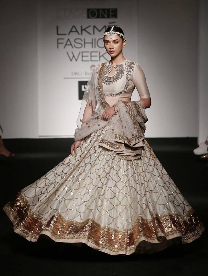 Aditi Rao Hydari for Jayanti Reddy Lakme Fashion Week Summer Resort 2016