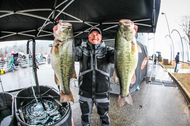 1000 images about fishing on pinterest bass fishing for Bass fishing in winter
